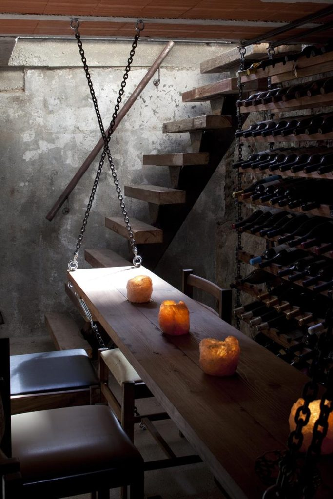 Vestigius Restaurant Cellar